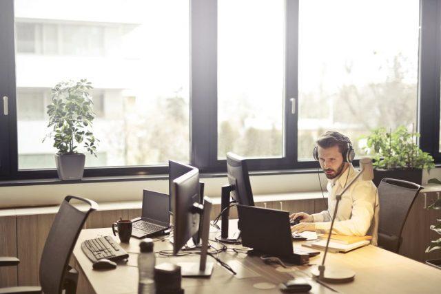 Städa på kontoret – inte ur kontoret