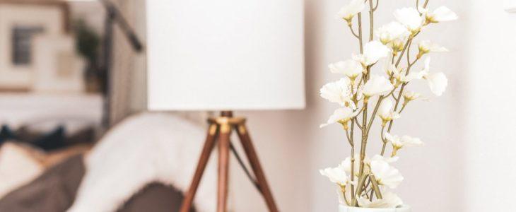 En snygg design lampa kan få bostaden att kännas mer genomtänkt