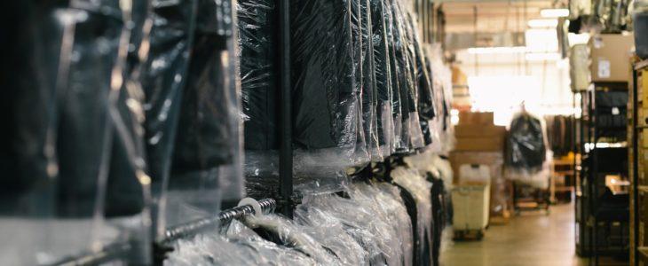 Skicka kläderna på miljövänlig kemtvätt